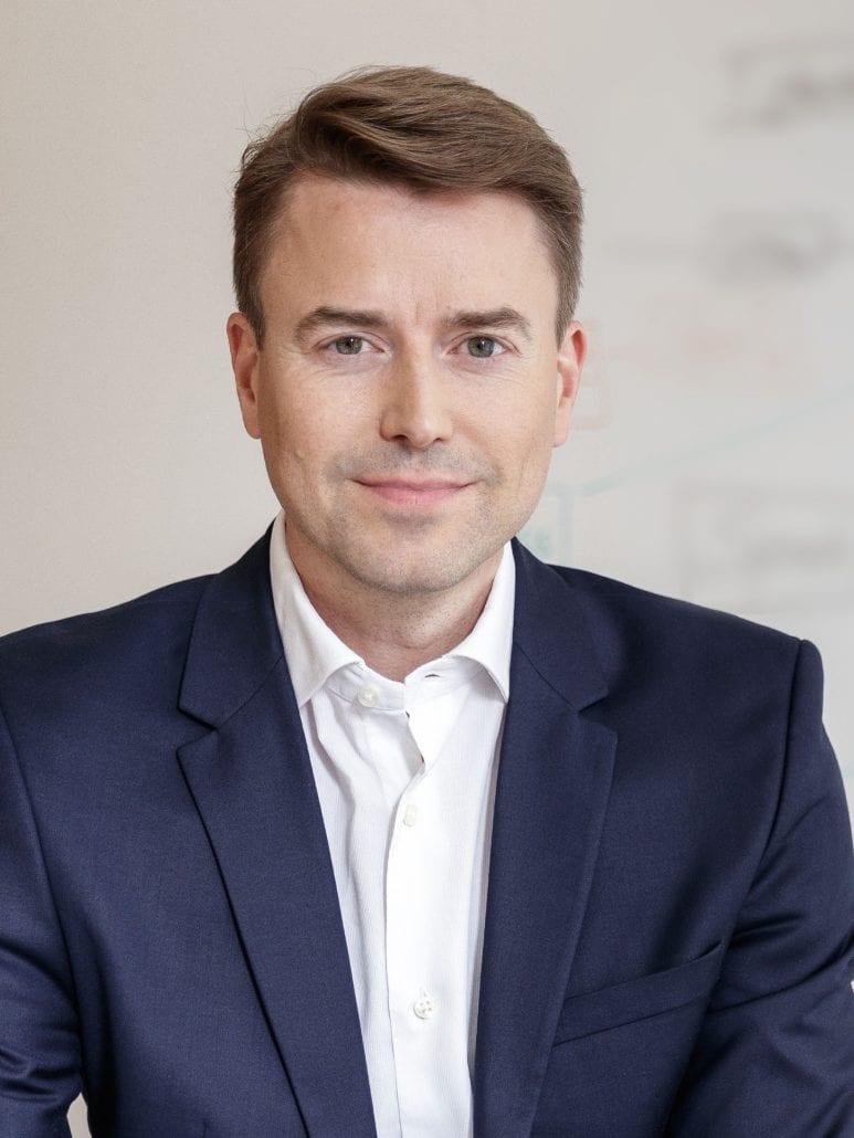 Dr. Oliver Gröne